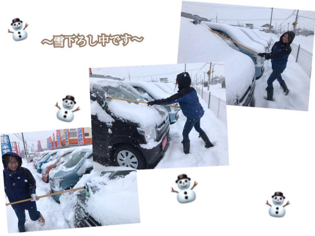 十和田の軽自動車サンライズ十和田店の雪下ろし